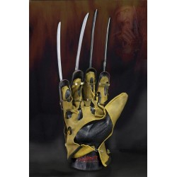 Nightmare Freddy Glove...